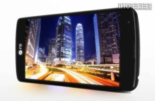 Cenovno ugodni pametni mobilni telefon LG F60 navdušuje predvsem na račun podpore mobilnemu omrežju 4G/LTE.