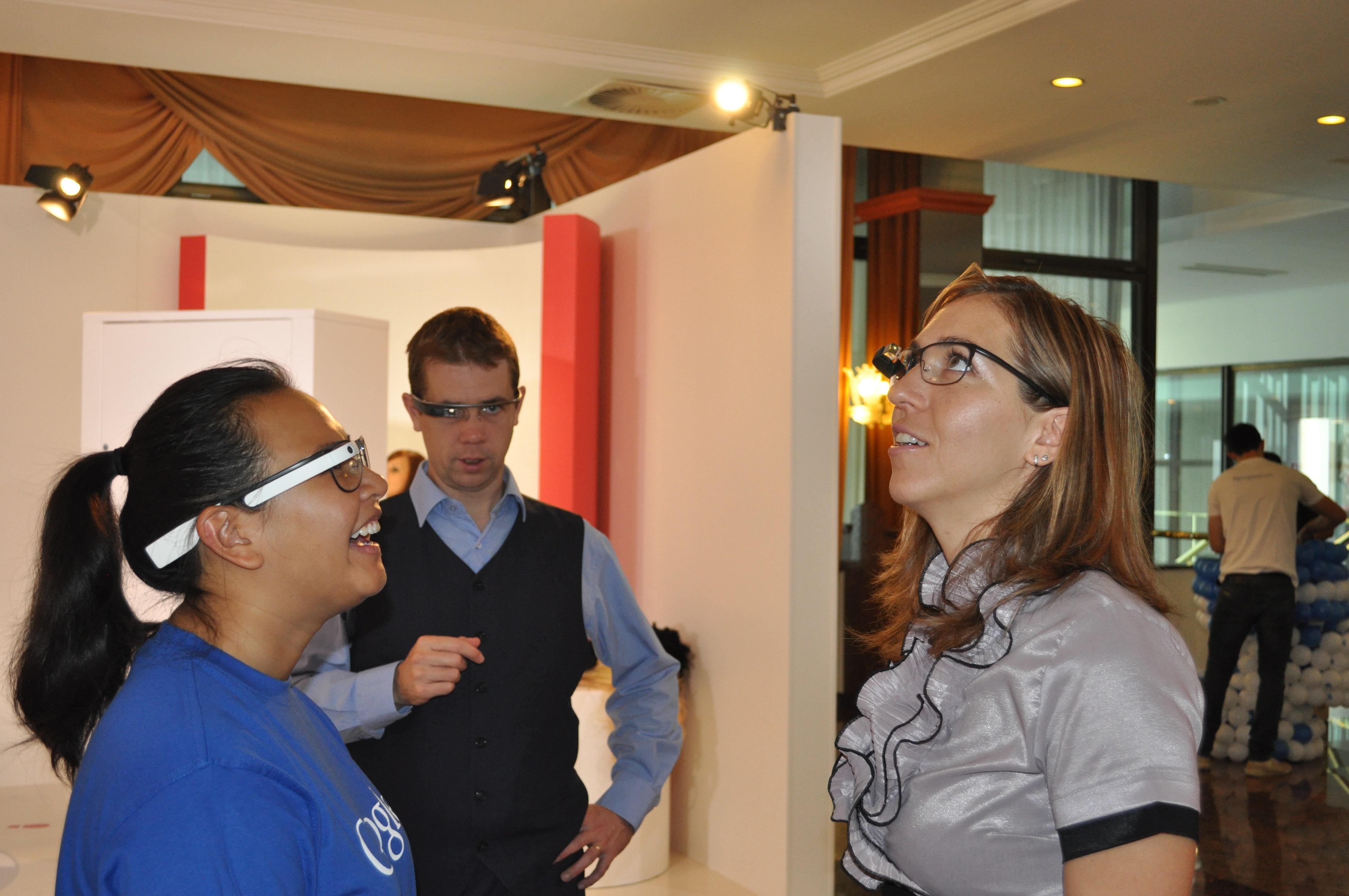 Na Na 21. Zlatem bobnu je Google tudi prvič v Sloveniji predstavil Google Glass.