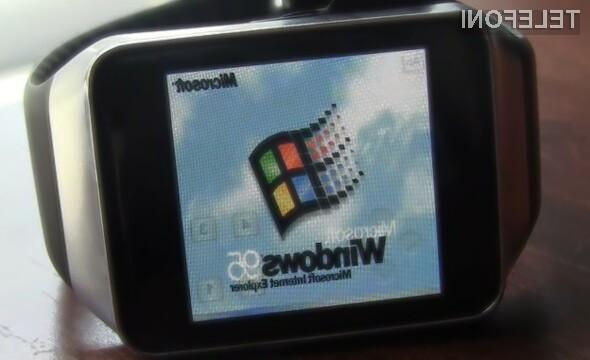 Operacijski sistem Windows 95 se odlično znajde na pametni ročni uri Gear Live.