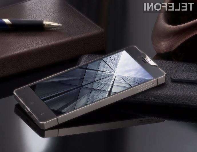 Pametni mobilni telefon Gresso Regal R1 je skorajda nemogoče uničiti!