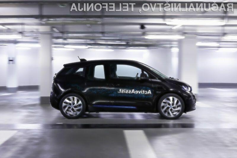 Avtomobile BMW bomo lahko parkirali kar s pametno ročno uro!