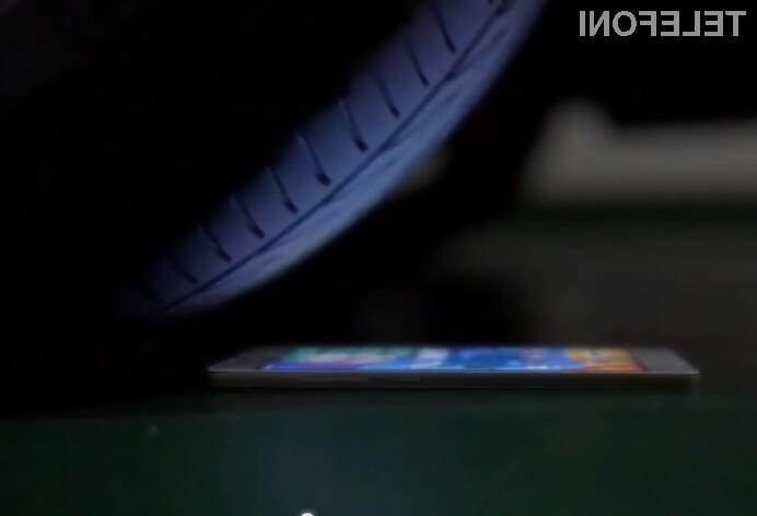 Pametni mobilni telefon Oppo R5 bomo le stežka uničili.