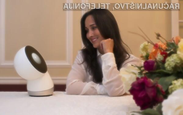 Napredni robot ameriškega startup podjetja RainFactory Jibo lahko zlahka nadomesti hišne ljubljenčke ali celo družinske člane, prijatelje ali partnerje.