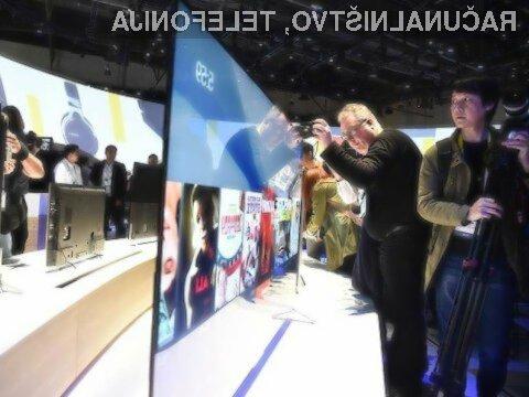 Sonyjev televizor Bravia X900C v debelino meri zgolj 4,9 milimetrov.