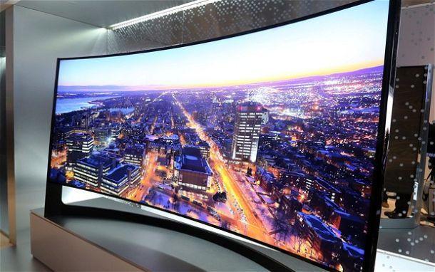 Ukrivljen televizor OLED – se ga splača kupiti?
