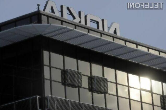 Prvi novi pametni mobilni telefon podjetja Nokia naj bi luč sveta ugledal že v teku naslednjega leta.