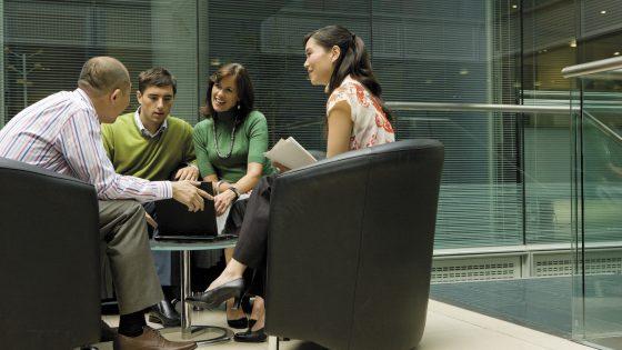 Deželna banka Slovenije se je leta 2012 odločila, da svoj obstoječi sporočilni sistem Microsoft Exchange 2007 nadgradi s sodobnejšo rešitvijo, ki bi banki pomagala zmanjšati stroške.