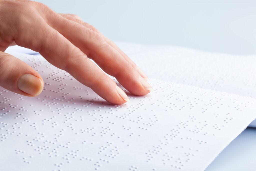 Nove tehnologije za vključevanje slepih in slabovidnih