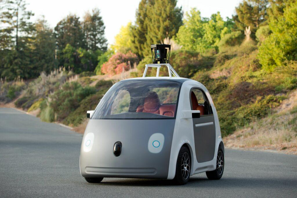 Googlov samovozeči avtomobil naj bi precej zmanjšal število prometnih nesreč.