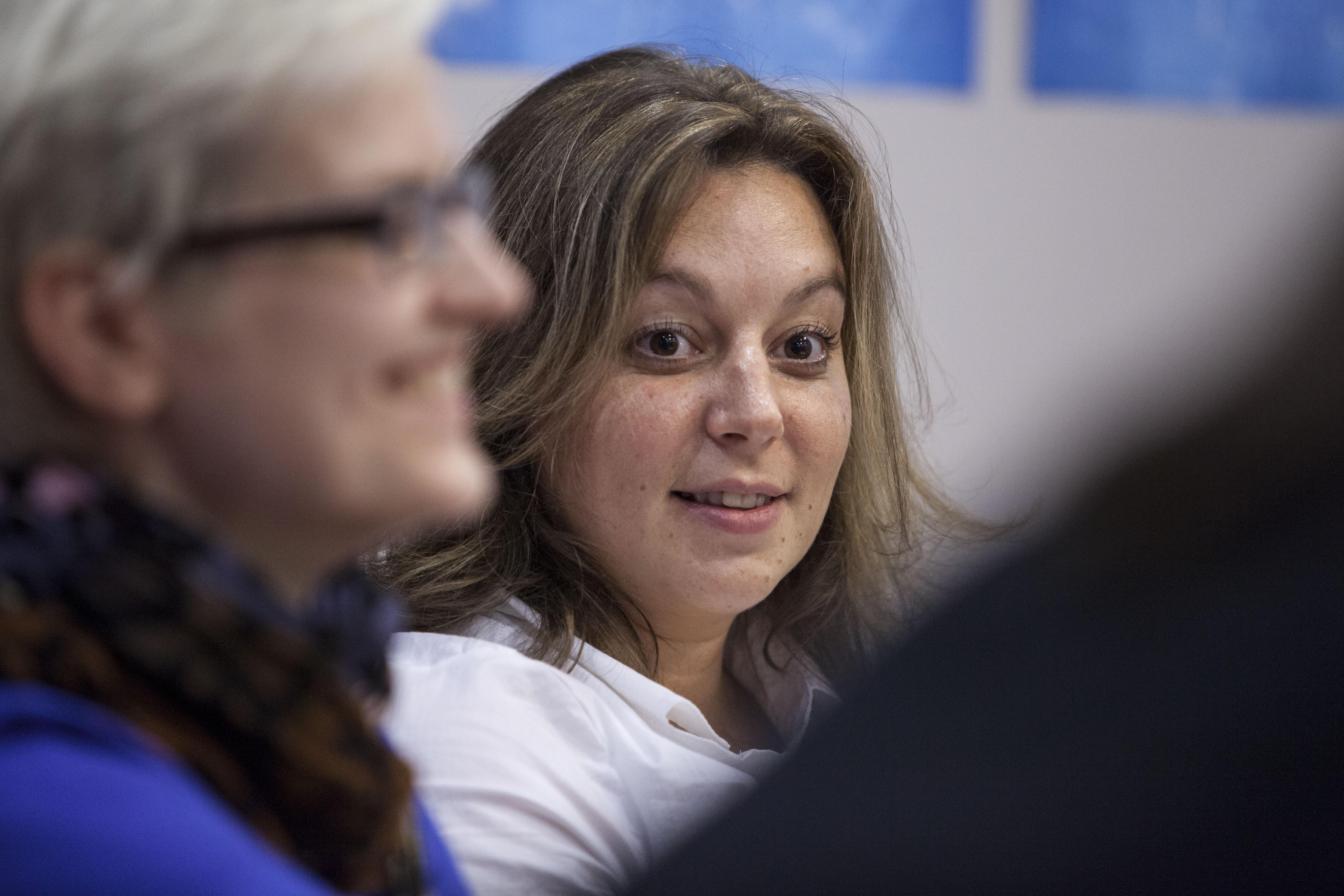 Erika Pogorelc se je izšolala za frizerko. Pri 26 letih je ugotovila, da jo bolj kot sušilniki las zanimajo računalniki. Dokončala je študij na Fakulteti za računalništvo in informatiko, se za eno leto preselila v Kanado in po vrnitvi domov odkrila svojo