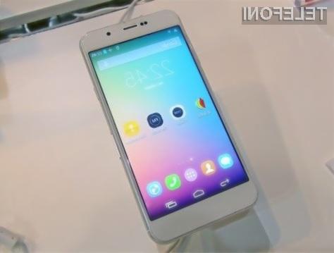 Kitajski trgovci se bodo od mobilnika Huateng Flag D1 pripravljeni ločiti že za 300 evrov.