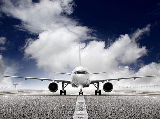 Prepoved prenosnikov in tablic v potniški kabini tudi za potnike iz Evrope?