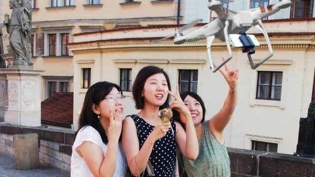 Štirikopter za zajem selfijev?