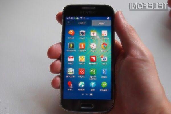 Pametni mobilni telefon Samsung Galaxy S4 Mini Plus ponuja odlično razmerje med ceno in zmogljivostjo.