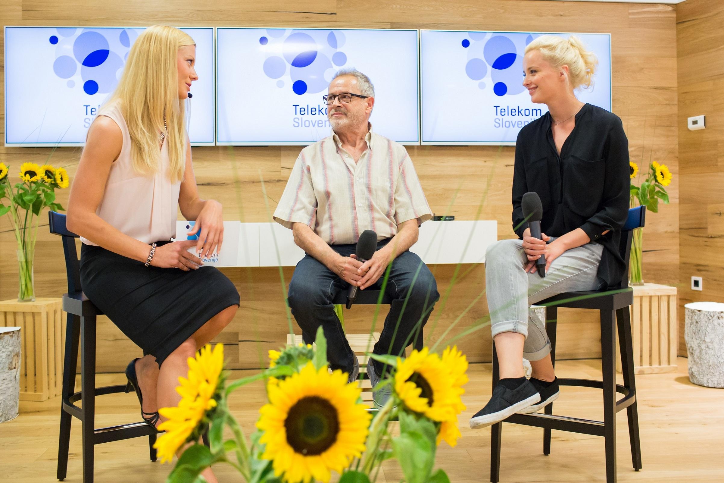 Z Bertom (Janez Starina) in Zalo (Ajda Smrekar) se je pogovarjala Maja Tratnik.