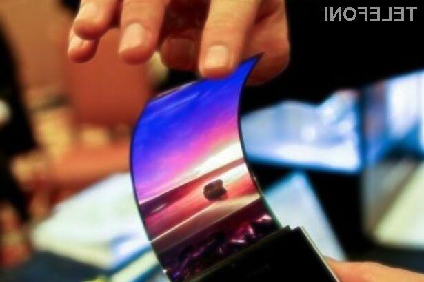 Prvi upogljiv mobilnik Samsung naj bi bil nared za prodajo že v prvi polovici naslednjega leta.