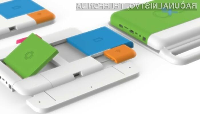Prenosniku One Education Infinity lahko hitro zamenjamo ključne komponente.