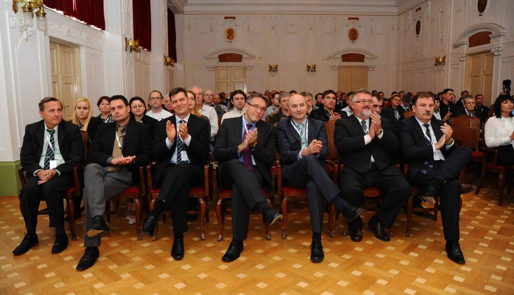 Po 20. letih uspešnega poslovanja v Sloveniji predstavili novo strategijo Life-is-On