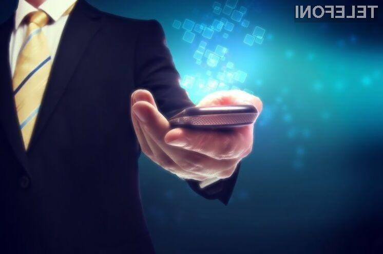 Novi iPhone naj bi podatke sprejemal tudi preko svetlobe!