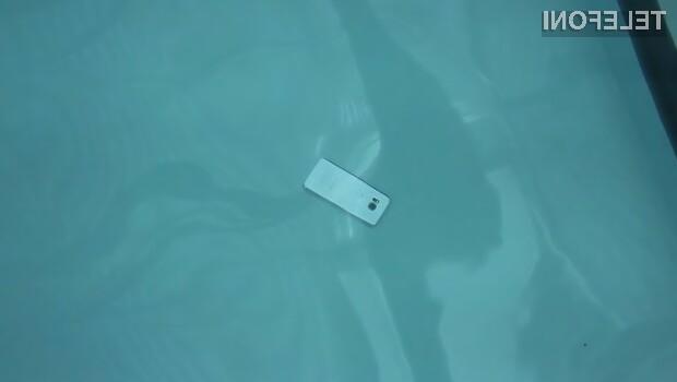 Pametnemu mobilnemu telefonu Samsung Galaxy S7 Edge voda ne more do živega!
