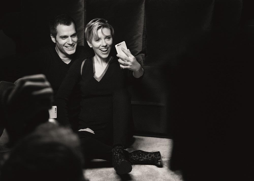 Scarlett Johansson in Henry Cavill sta obraza nove Huaweijeve kampanje