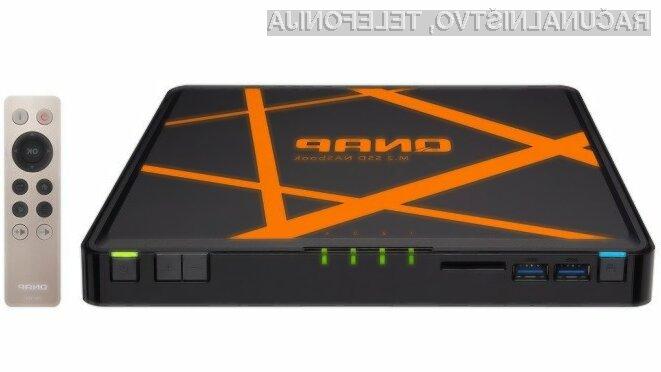 Računalnik QNAP TBS-453A lahko uporabljamo tudi v vlogi omrežnega stikala in diskovnega prostora.