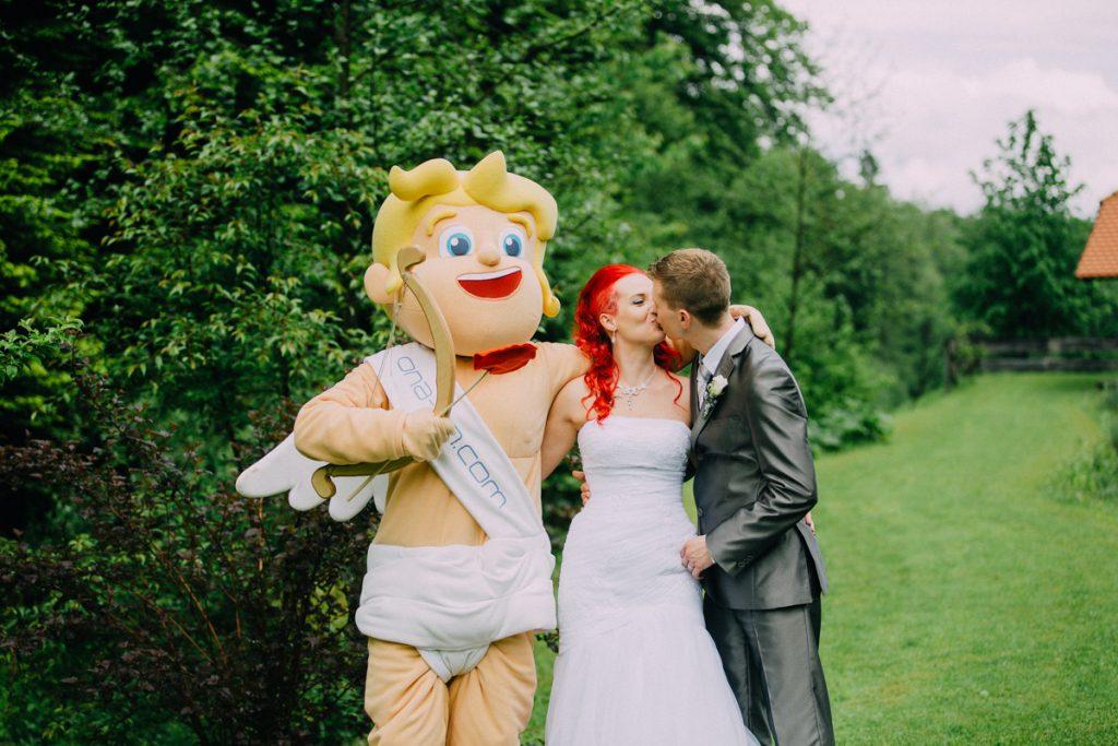 Prvi klik na ona-on.com pripeljal do poroke