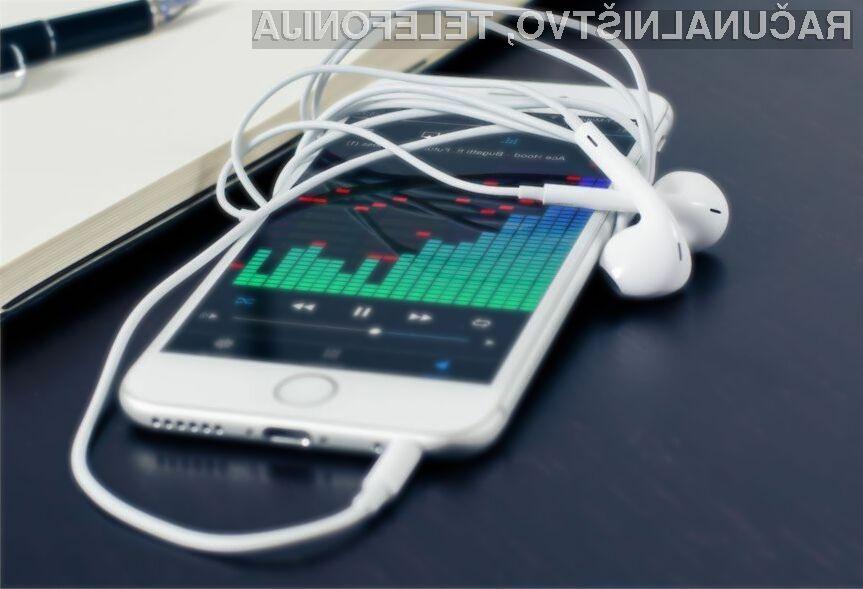 Applove ušesne slušalke naj bi pripomogle h kakovostnejšim pogovorom v hrupnih okoljih.