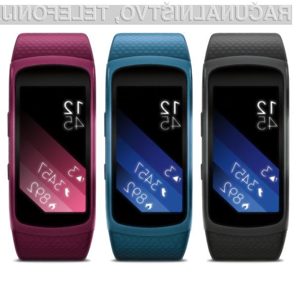 Samsung Gear Fit 2: kombinacija privlačnosti, tehnološke dovršenosti in športne dinamičnosti