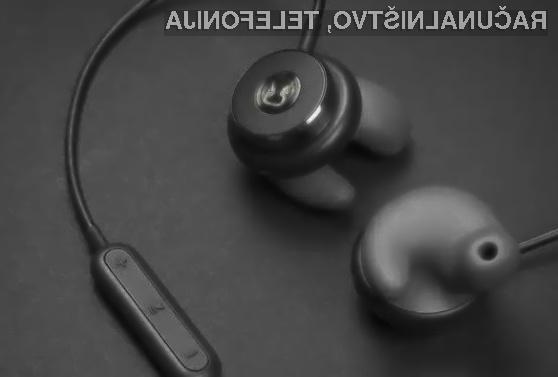 Revlos so edine pametne slušalke na svetu, ki se v celoti prilagodijo notranjosti ušesa uporabnika.