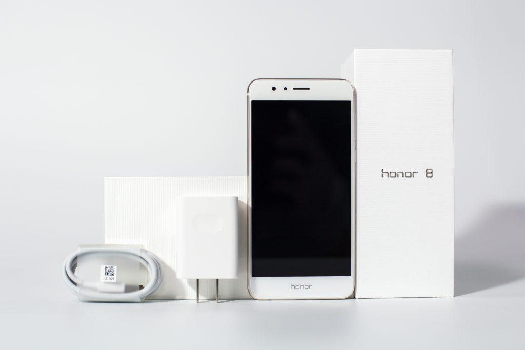 Honor 8  - Prepričljiva tehnologija in navdihujoč dizajn