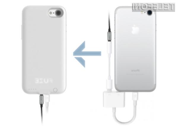 S tem etuijem lahko na iPhonu 7 ponovno uporabljamo stare slušalke!