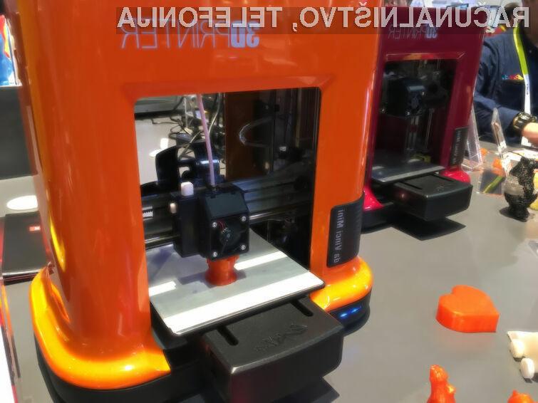 Inovativni 3D tiskalnik daVinci Mini podjetja XYZprinting za zelo malo denarja ponuja veliko!