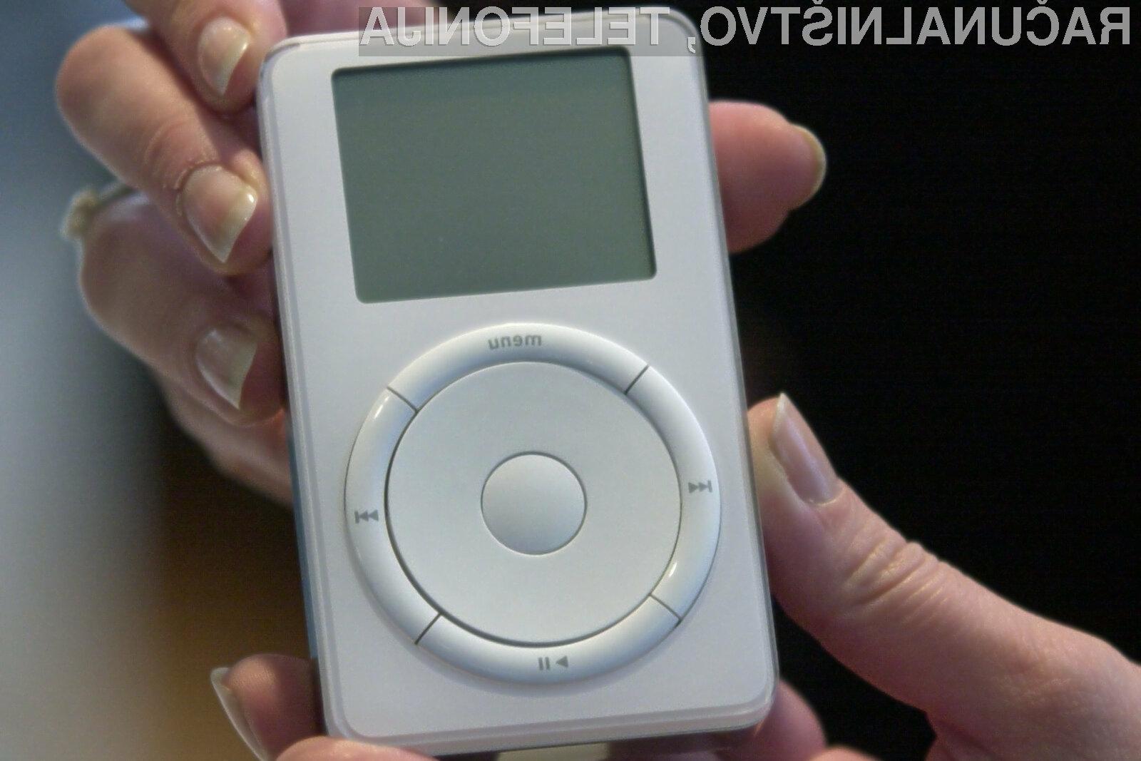 Prenosni predvajalnik Apple iPod je bil prvič predstavljen 23. oktobra 2001!