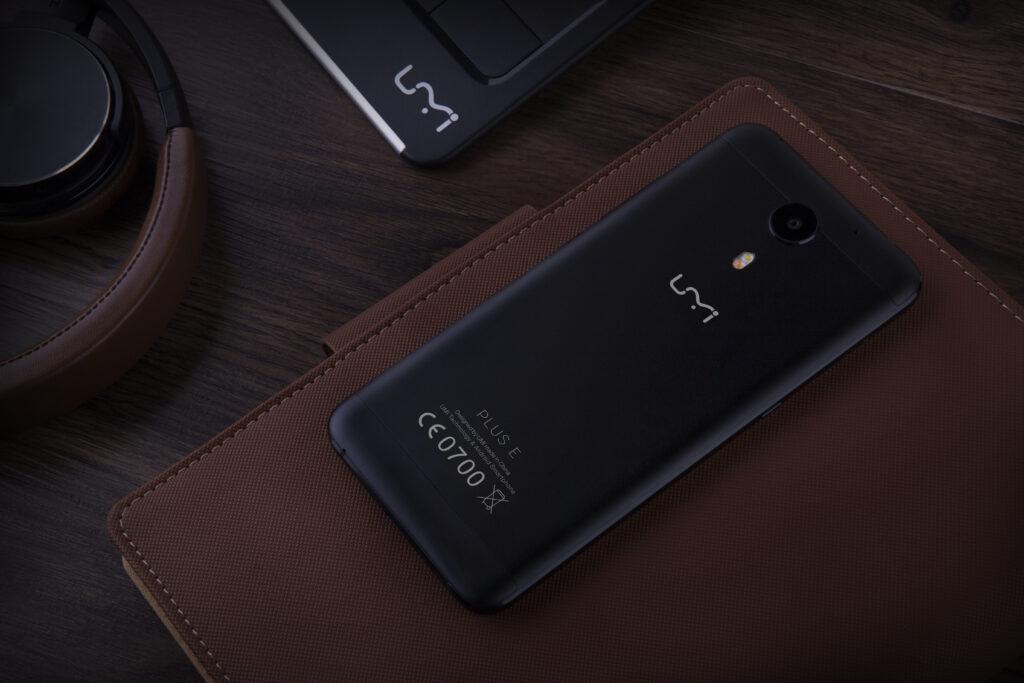 Akcija dneva! Izjemen telefon UMi Plus E že za manj kot 200 evrov