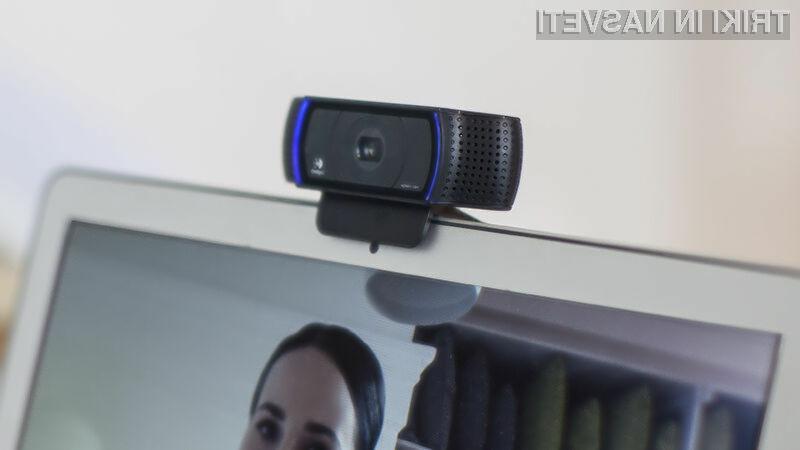 Pred vohunjenjem preko spletne kamere vas lahko zavaruje tudi lepilni trak!