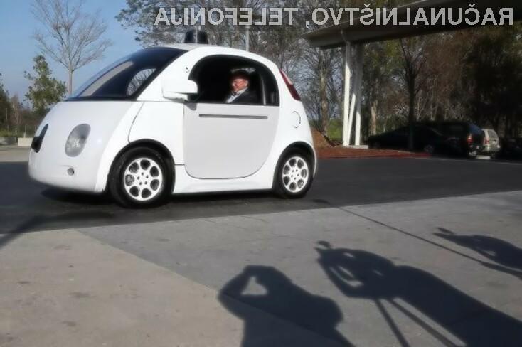 Google obupal nad lastnim avtonomnim vozilom