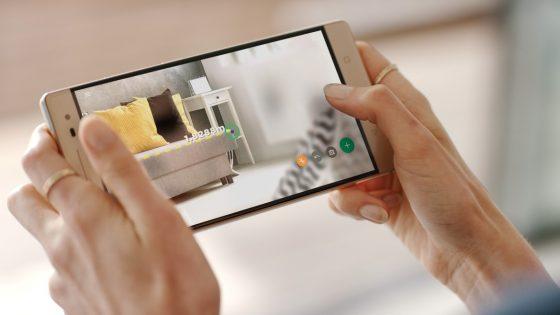 Prvi pametni telefon s tehnologijo Tango™, Lenovo Phab 2 Pro, je že naprodaj.