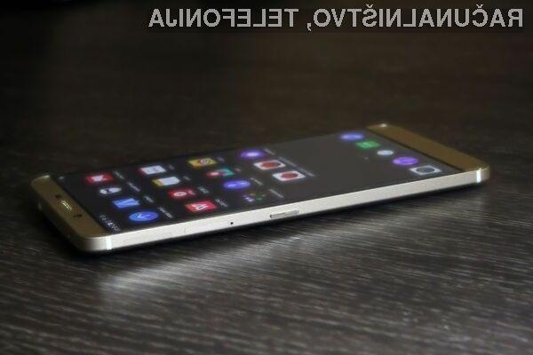 Pametni mobilni telefon LeEco X10 bo razpolagal s kar dvema digitalnima fotoaparatoma in dvema spletnima kamerama.