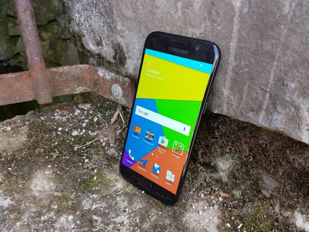 Test telefona Galaxy A5: Premijski telefon za tanjše denarnice