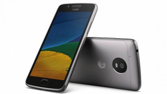 Premijska izkušnja za vse: nova pametna telefona Moto G⁵ in Moto G⁵ Plus