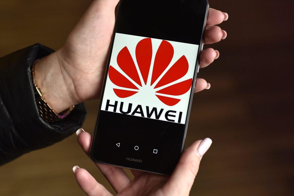 Huawei raste trdno in vztrajno