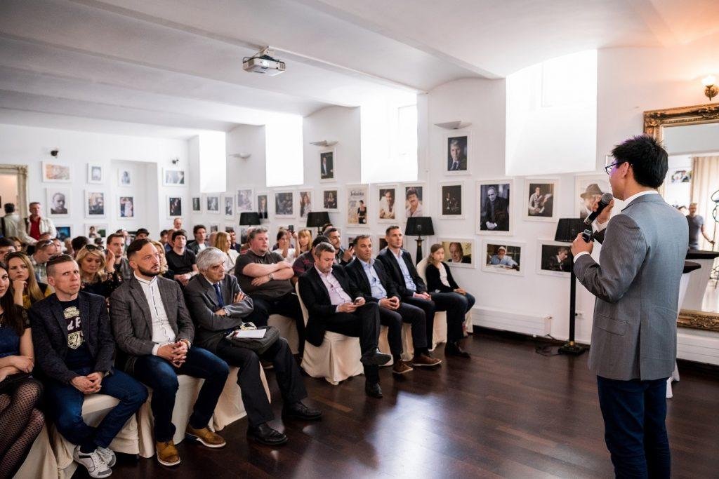 Huawei predstavil svoja paradna konja serije P v  Ljubljani