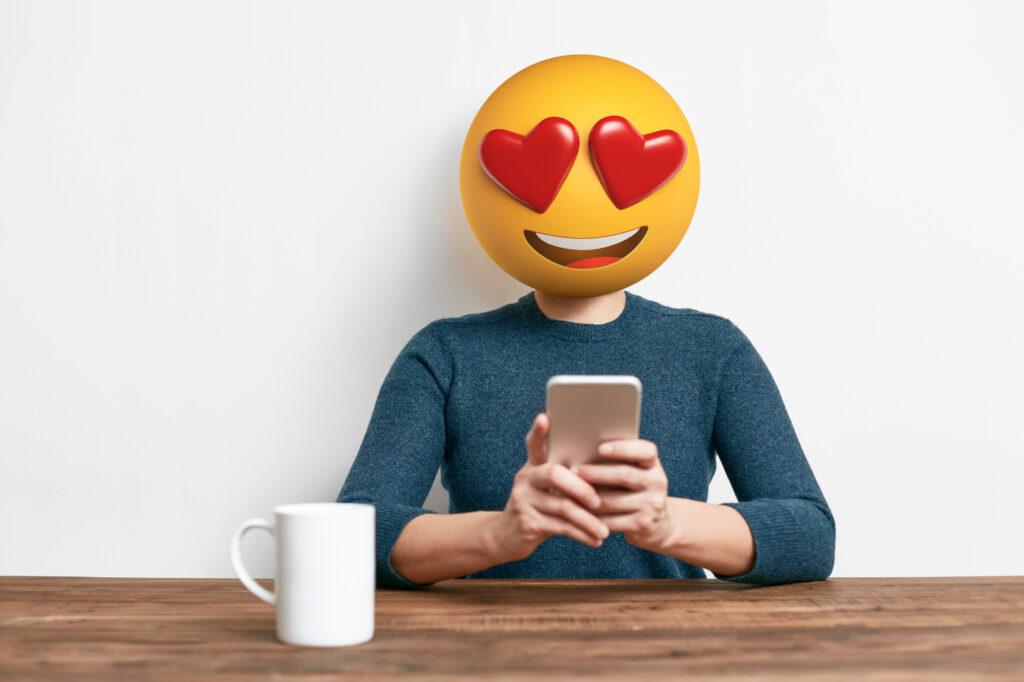 Za večino ljudi je uporaba čustvenih simbolov najboljši način komunikacije preko elektronskih medijev.