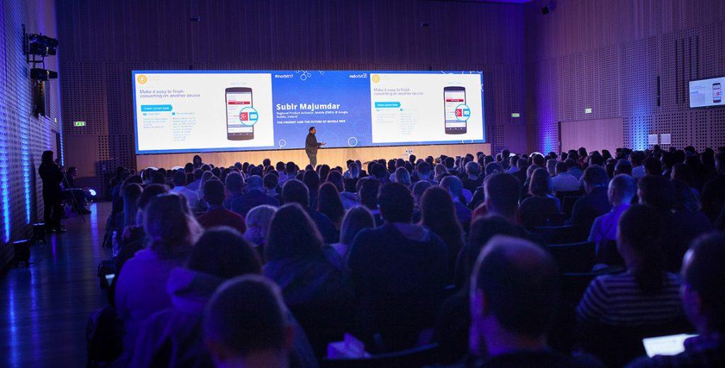 predavanje Googlovega strokovnjaka za mobilno oglaševanje,Subir Majumdar na konferenci inOrbit 17