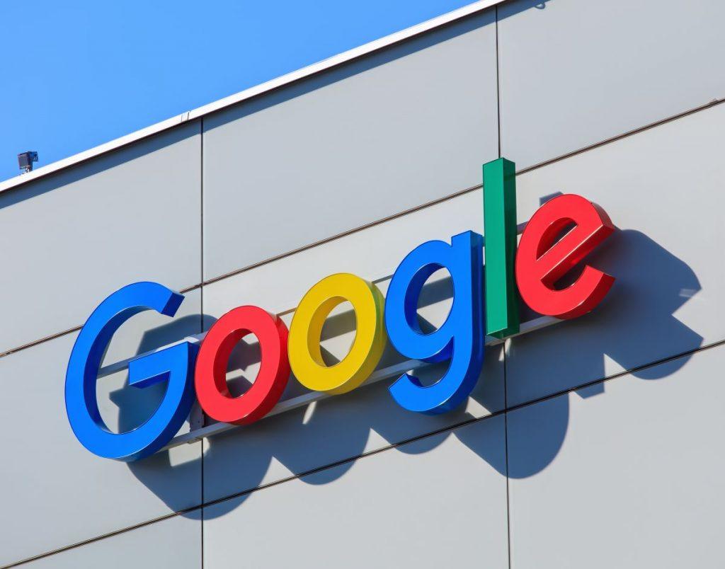 EU Googlu naložila rekordno kazen, ker primerjalne platforme postavlja v slabši položaj!
