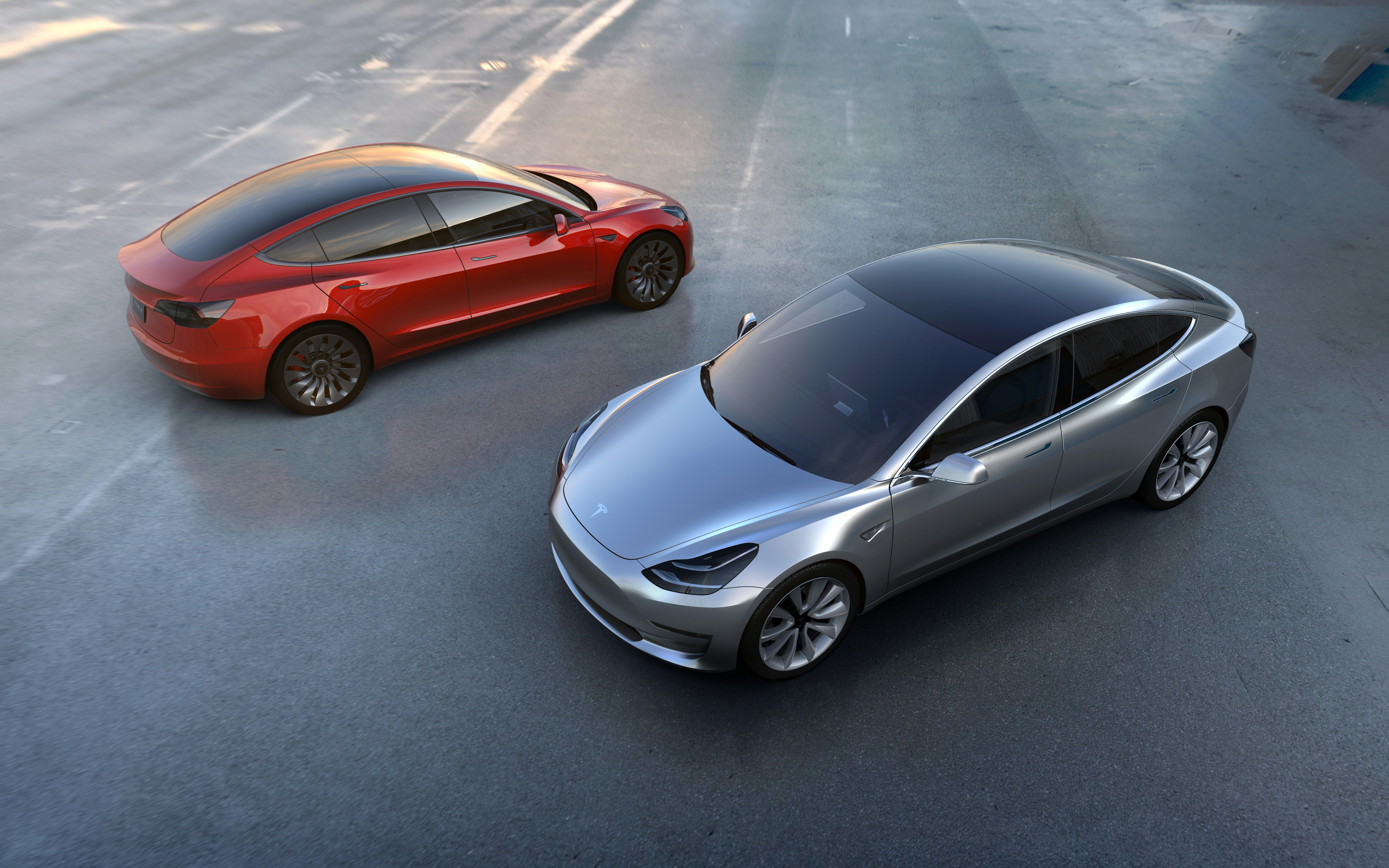 Zanimivo električno vozilo Tesla Model 3 si bo zaradi nizke cene lahko privoščila širša skupina voznikov.