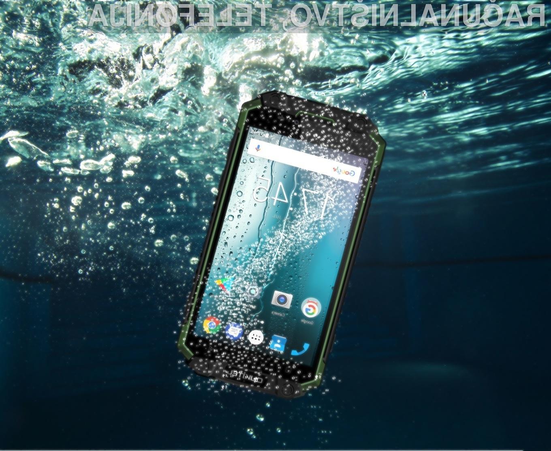 Pametnega mobilnega telefona K10000 Max vam zagotovo ne bo treba polniti vsak dan.