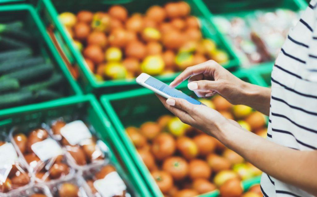 Preko spleta vse pogosteje nakupujemo tudi hrano in pijačo