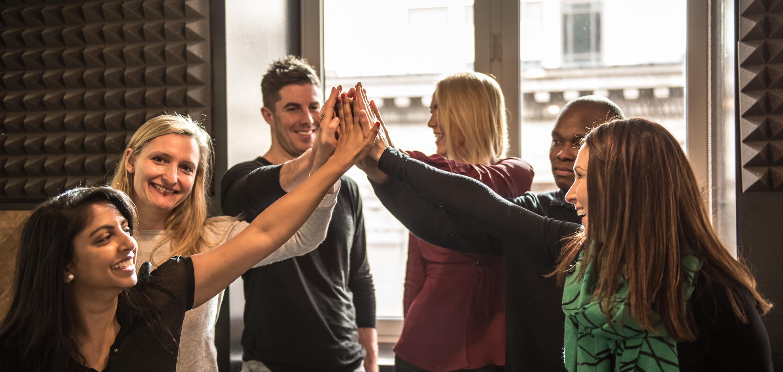 Med desetimi podjetji, ki najbolje obravnavajo zaposlene glede na spol, prvo mesto zaseda Salesforce.